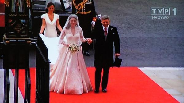 Kim Kardashian marzy o sukni ślubnej Księżnej Kate (FOTO)