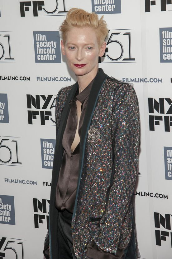 Tilda Swinton w garniturze (FOTO)