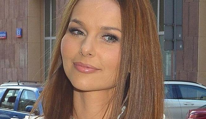Paulina Sykut debiutuje na salonach w nowej fryzurze (FOTO)