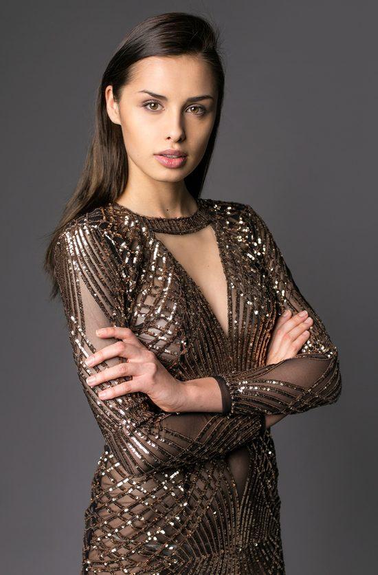 Weronika Szmajdzińska z Project Runway na Miss Universe 2015