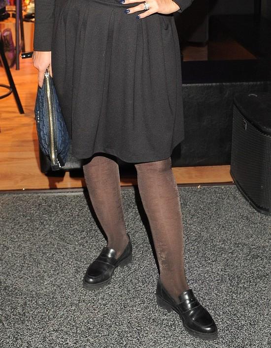 Jak zepsuć przyzwoitą sukienkę radzi Karolina Szostak (FOTO)