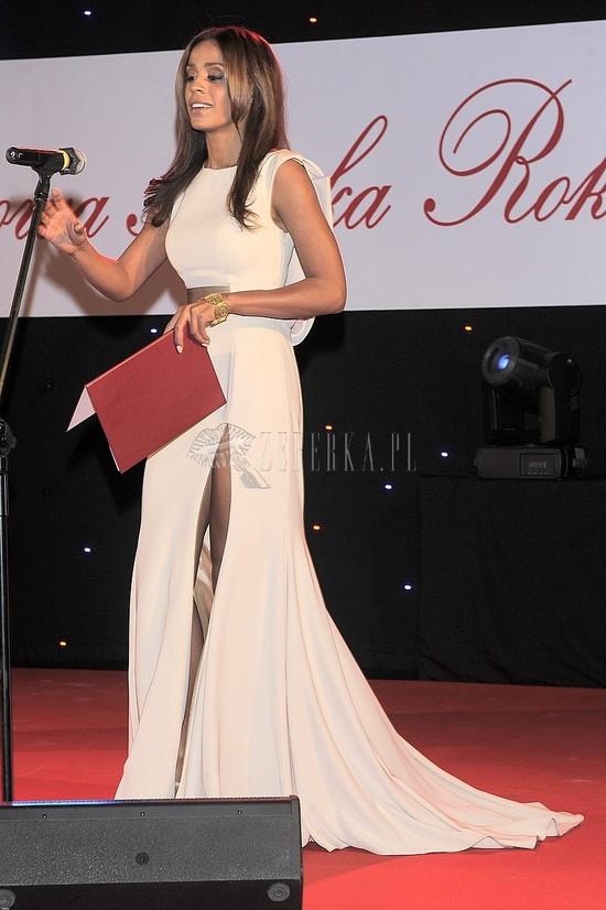 Aleksandra Szwed w białej sukni