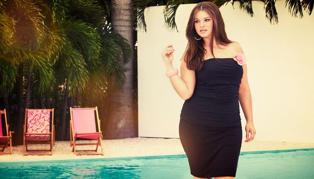 Tara Lynn: Modelka plus-size broni szczupłości na wybiegu