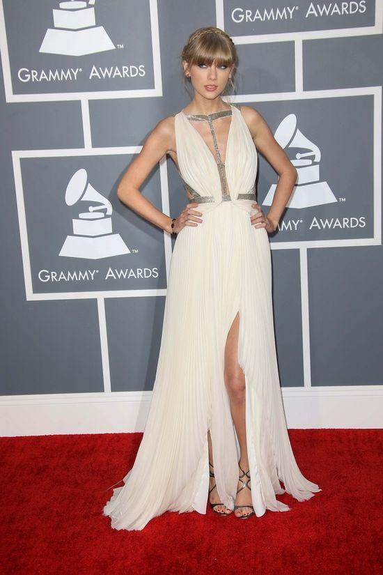 Taylor Swift niczym grecka bogini (FOTO)