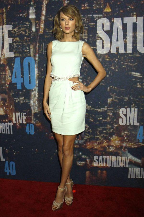 Gwiazdy zaprezentowały nogi na gali Saturday Night Live