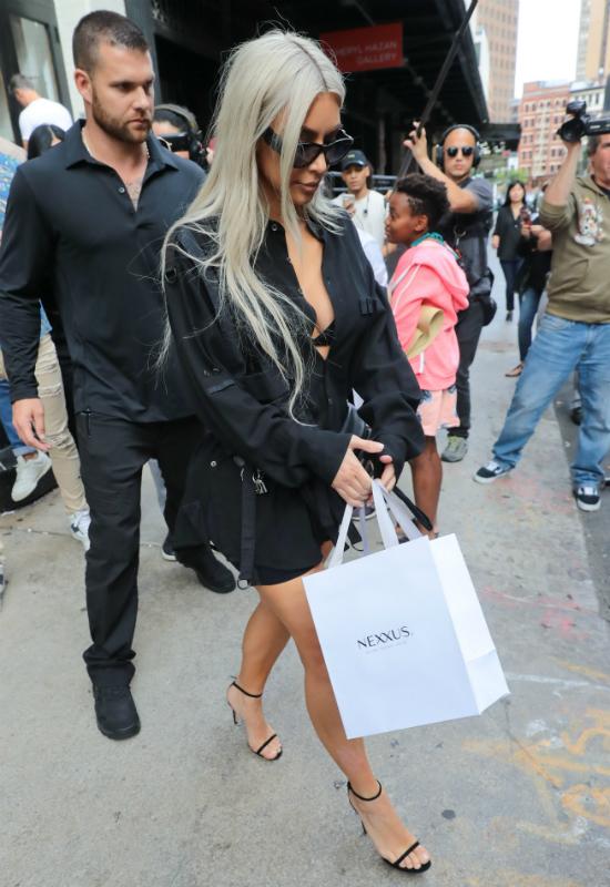Tajemnicze zdjęcie na Instagramie Kim Kardashian. Wiemy o co chodzi!