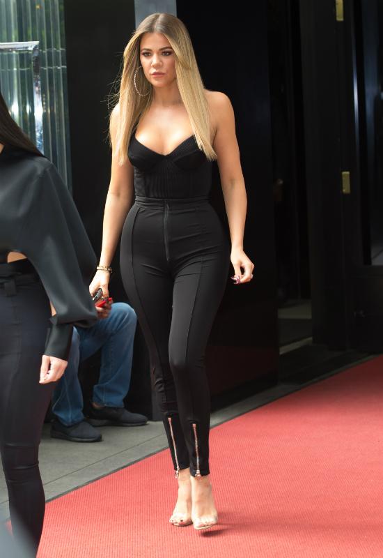 Socjologowie tłumaczą boom ciążowy Kardashianek! Bardzo racjonalnie!