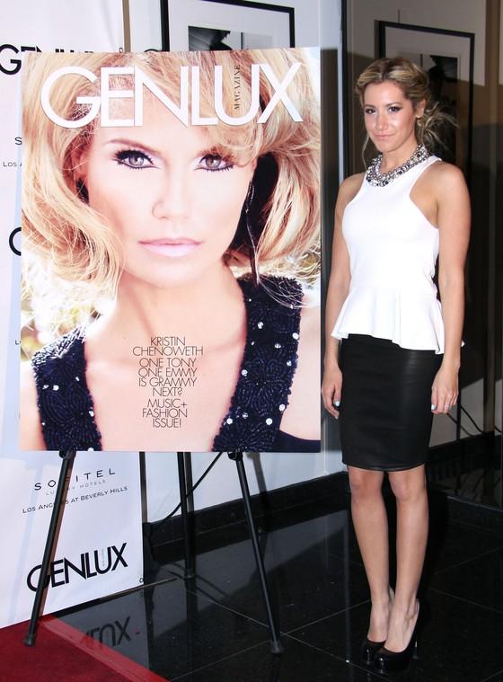 Ashley Tisdale w biało-czarnej sukience