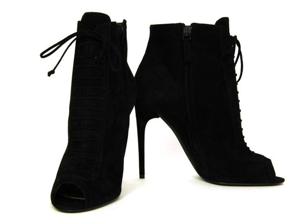 Sara Boruc pokazała kolekcję swoich ulubionych butów