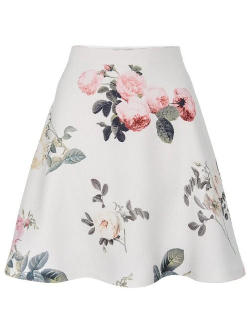 Rozkloszowana spódnica w róże (FOTO)