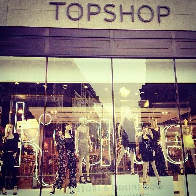 Cara Delevingne została twarzą marki Topshop! (FOTO)