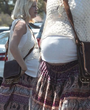 Ciążowy zestaw Tori Spelling (FOTO)