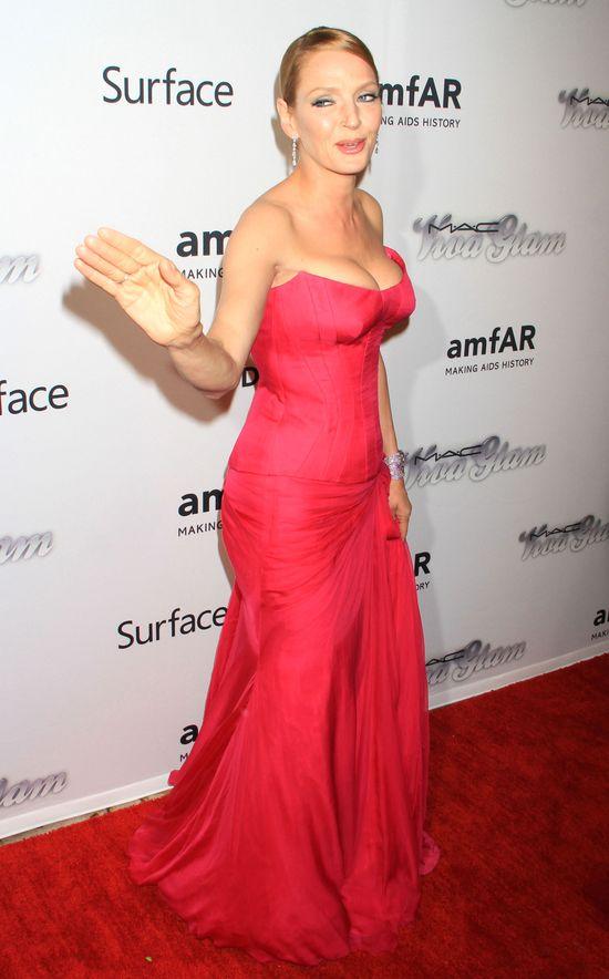 Uma Thurman w czerwonej sukni