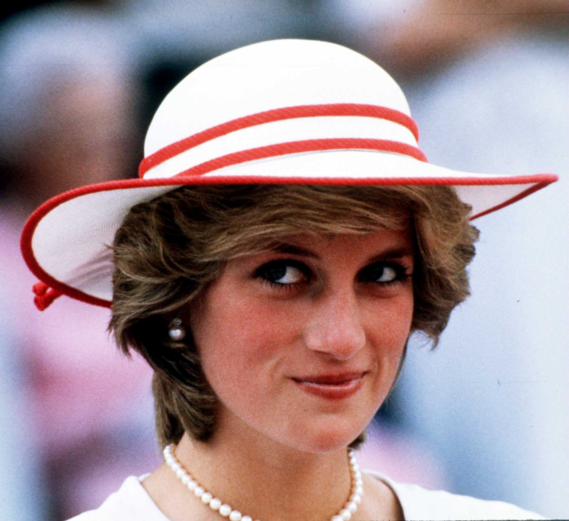Cała prawda o legendarnej sukience zemsty księżnej Diany.
