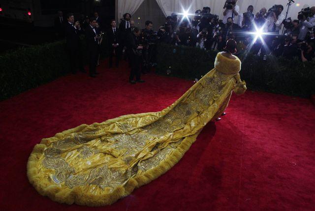 Rihanna i najbardziej okazała kreacja na Gali MET 2015