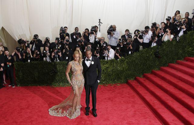 Beyonce niczym naga bogini na Gali MET (FOTO)