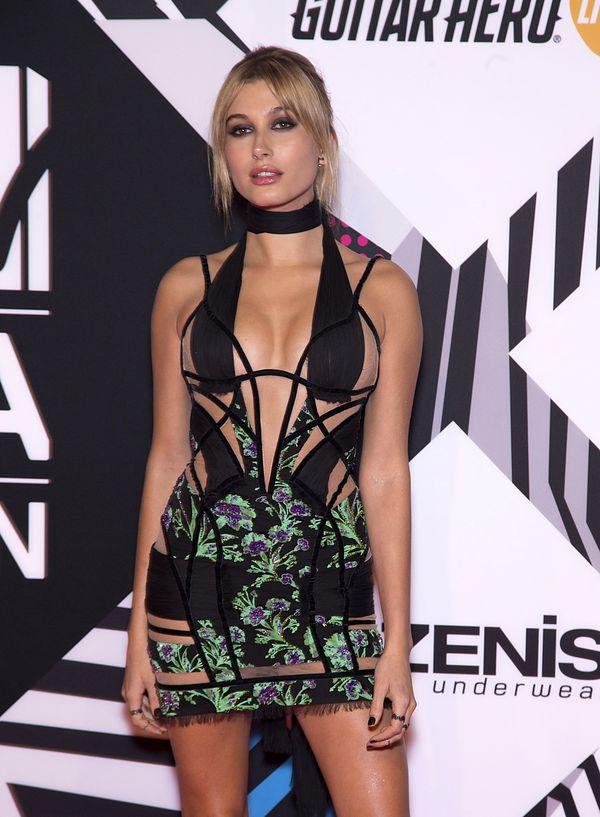 Hailey Baldwin zachwyciła na gali MTV EMA 2015? (FOTO)