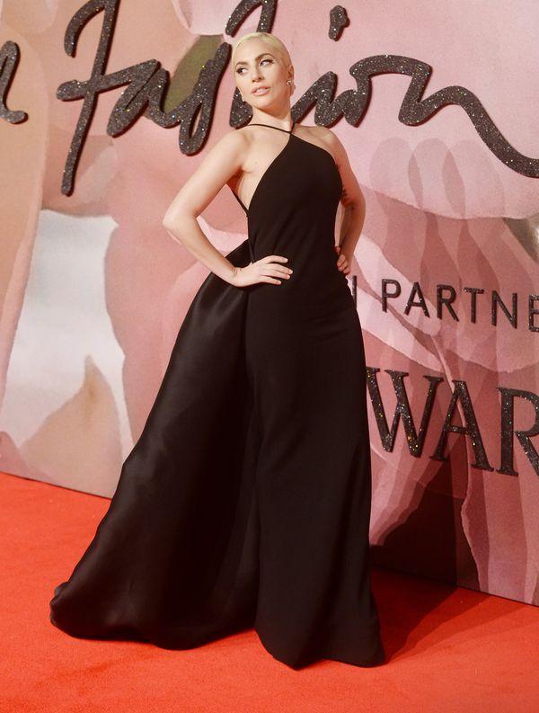 Wow! Lady Gaga jeszcze nigdy nie była tak elegancka! (FOTO)