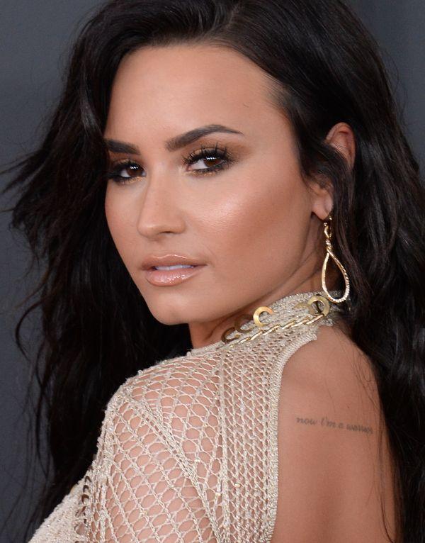 Na Grammy 2017 nie było Kim Kardasian - Demi Lovato zupełnie wystarcza! (FOTO)