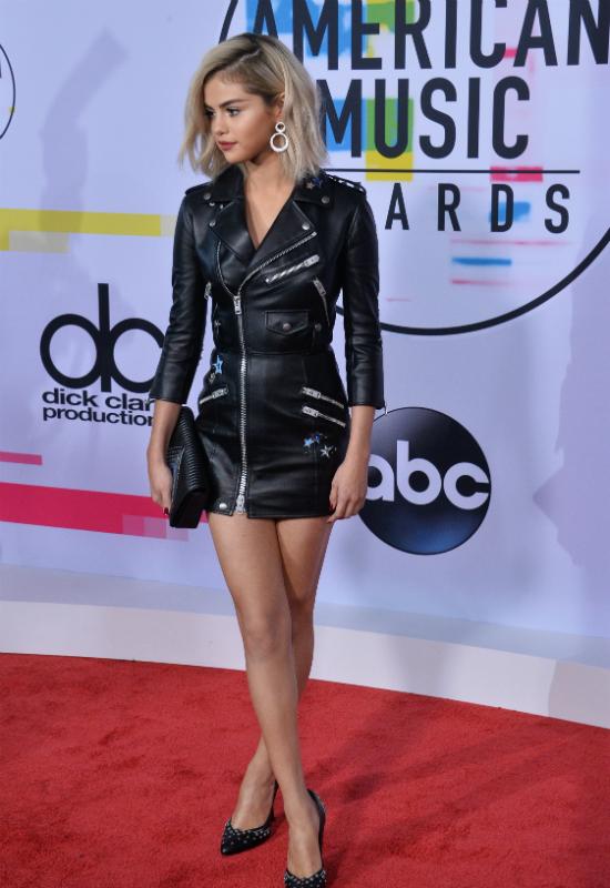 WOW! Wielka metamorfoza Seleny Gomez! Piosenkarka przefarbowała włosy na blond!