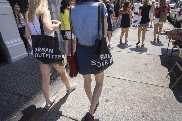 Praca za darmo w weekendy? W Urban Outfitters TAK...