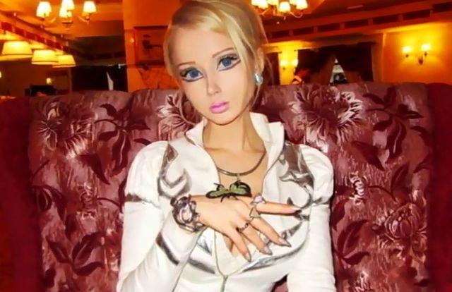 Misja Valerii Lukyanovej - szerzenie makijażu na Ziemi...?