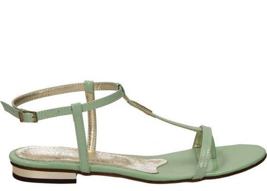 Przegląd butów na wiosnę - sandały (FOTO)