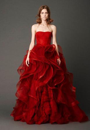 Czerwone suknie ślubne od Very Wang