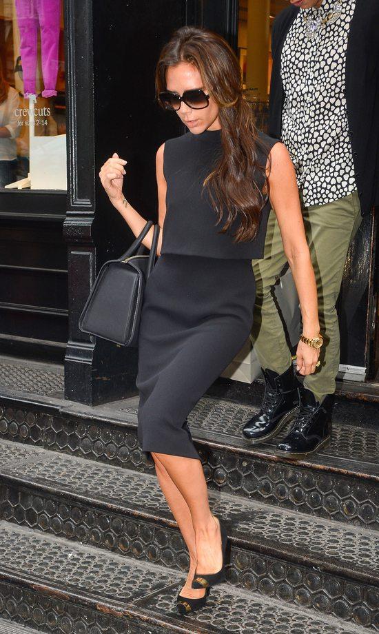 Victoria Beckham od stóp do głów w czerni