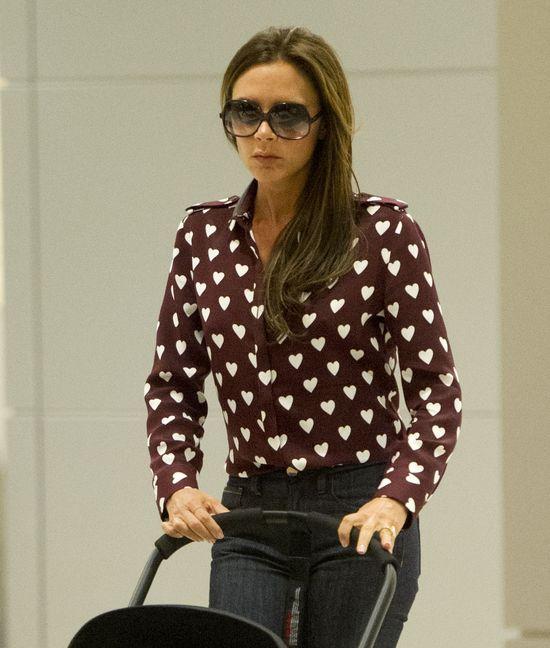 Victoria Beckham w bluzce Burberry (FOTO)