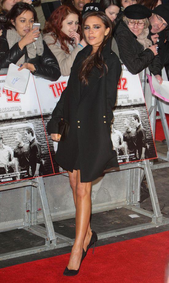 Victoria Beckham zachwyca w czerni (FOTO)