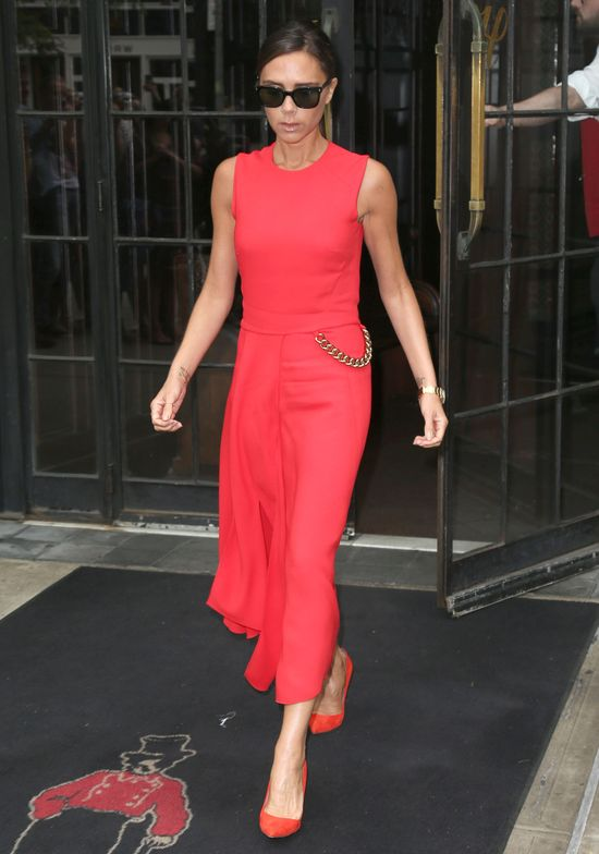 Victoria Beckham - dama w czerwieni! (FOTO)