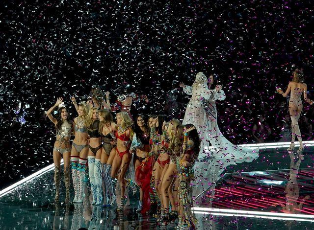 OMG! Jak Victoria's Secret mogło pozwolić, by nagraniu show znalazł o się TO?!