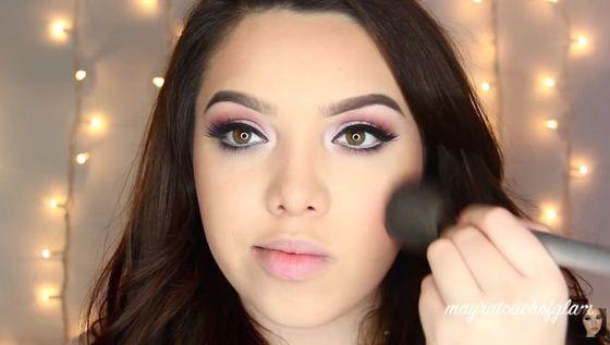 Delikatny makijaż na Walentynki (VIDEO)