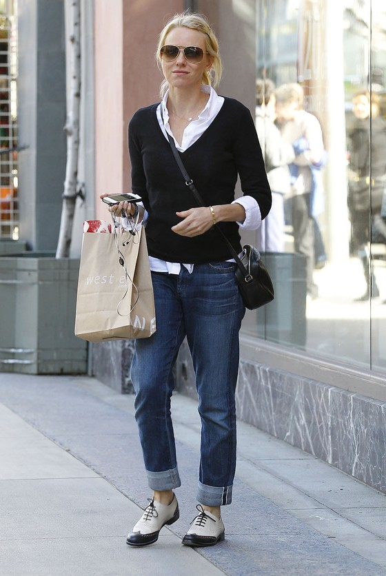 Naomi Watts na zakupach bez makijażu