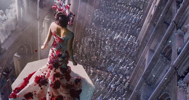 Widziałyście już boskie kostiumy do filmu Jupiter Ascending?