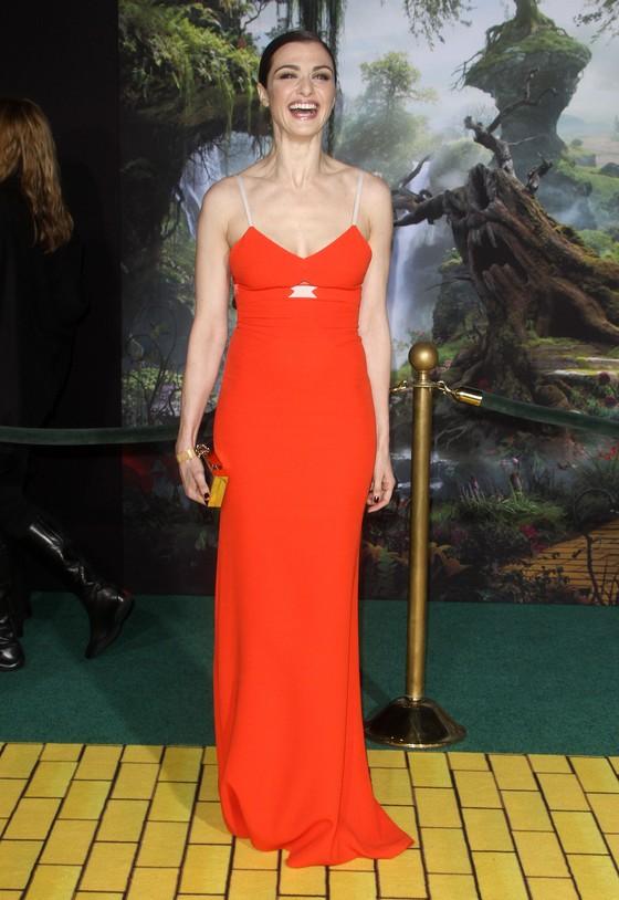 Rachel Weisz w czerwonej sukni