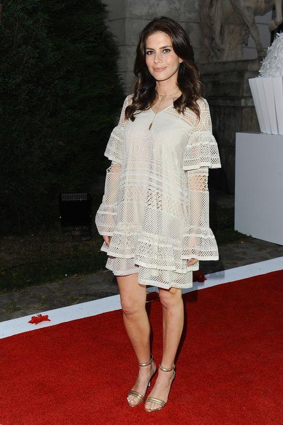 Zachwycamy się! Ciążowy, wakacyjny styl Weroniki Rosati to prawdziwa inspiracja