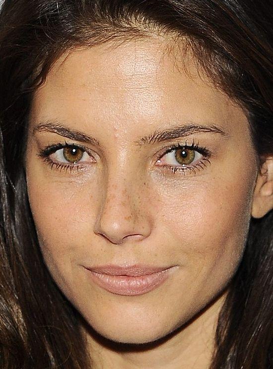 Weronika Rosati na ściance prawie bez makijażu (FOTO)