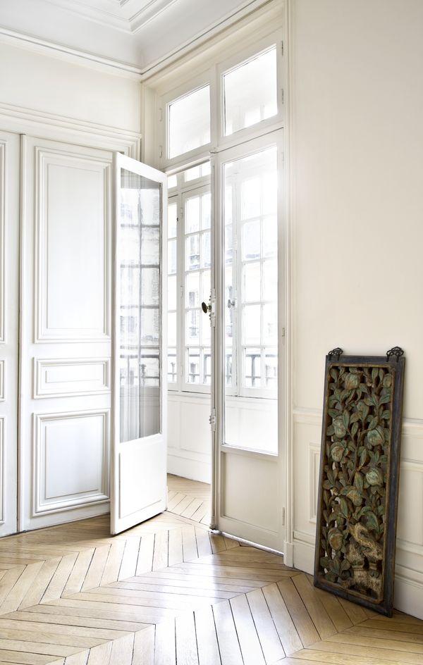 Klasyczne wnętrze i przepiękne dodatki - jak połączyć to ze smakiem? (FOTO)