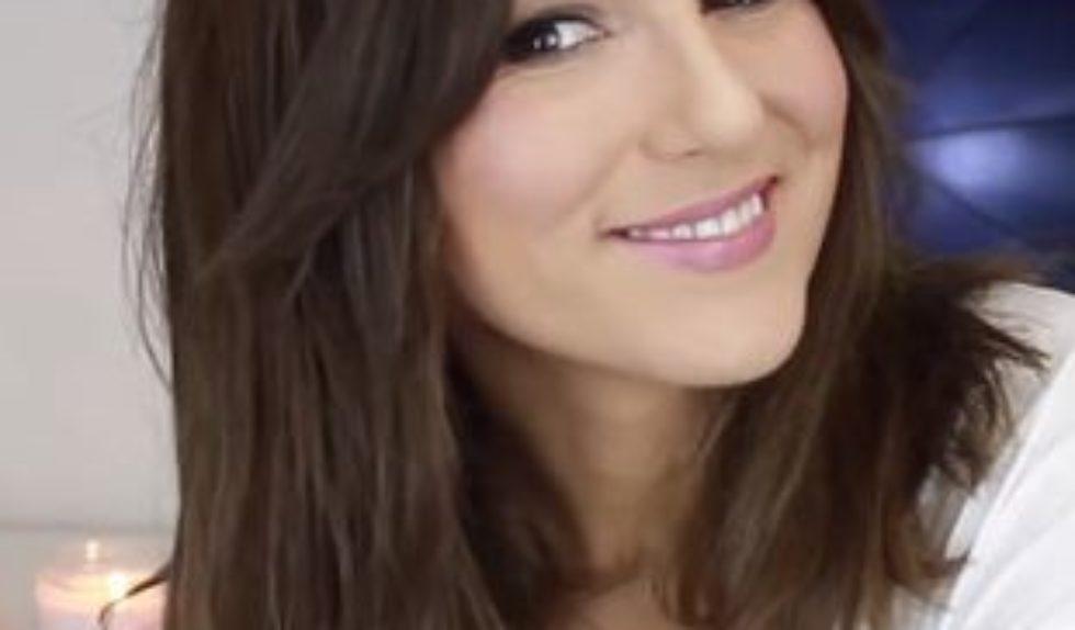 Jak Ułożyć Włosy Do Ramion Video Zeberka