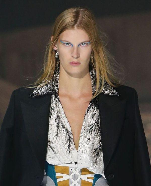 Graficzny makijaż Pat McGrath z pokazu Louis Vuitton podbija Instagram!