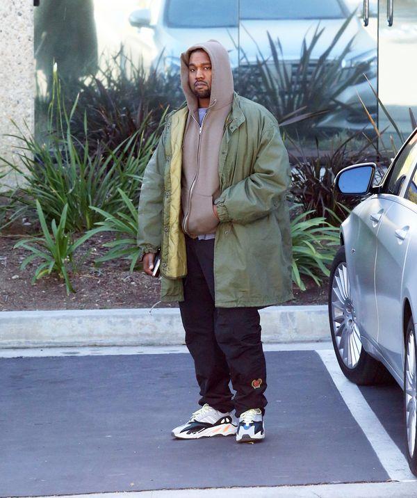 Kanye West ma... różowe włosy?! (FOTO)