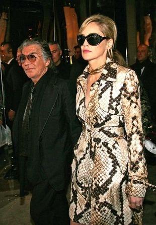 Sharon Stone, moda, ubrania, trencze, płaszcze, fotki