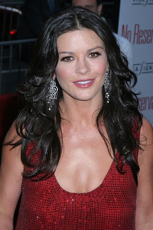 Catherine Zeta-Jones w czerwieni (FOTO)