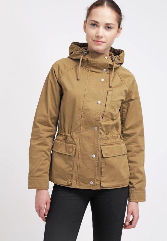 Przejściowe kurtki na jesień - przegląd sieciówek (FOTO)