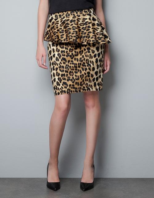 Przegląd ołówkowych spódnic z kolekcji jesień 2012
