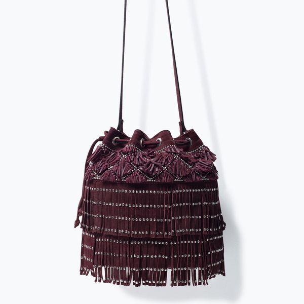 Najmodniejsze w tym sezonie - torebki z frędzlami - przegląd