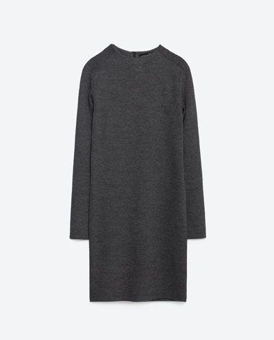 Szara sukienka - Przegląd propozycji z sieciówek (FOTO)
