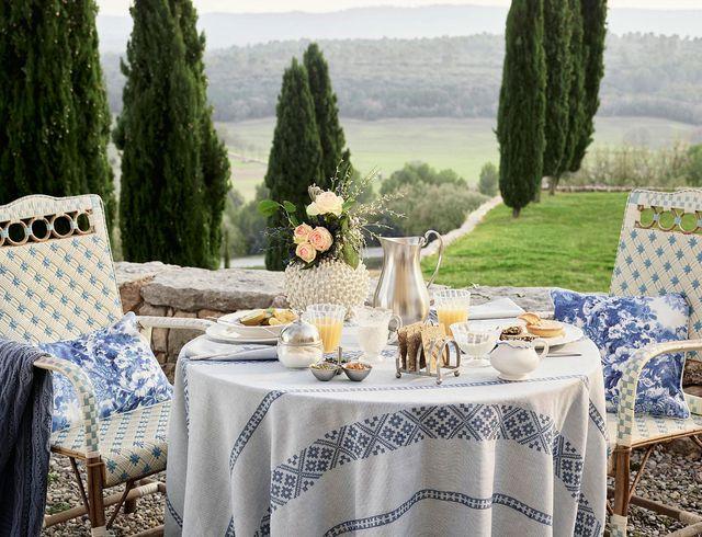 Nowy katalog w błękicie i bieli na wiosnę od Zara Home